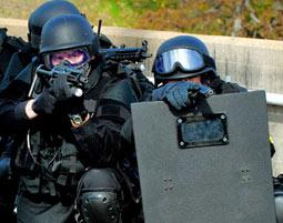 Swat training einfach geschenke - Geschenke an mitarbeiter buchen ...